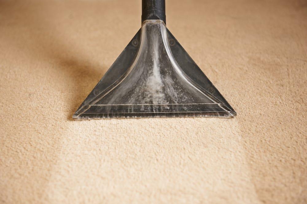 How to use a carpet shampooer